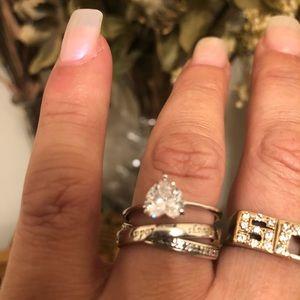 Breathtakingly beautiful 2.5 carat Sterling silve